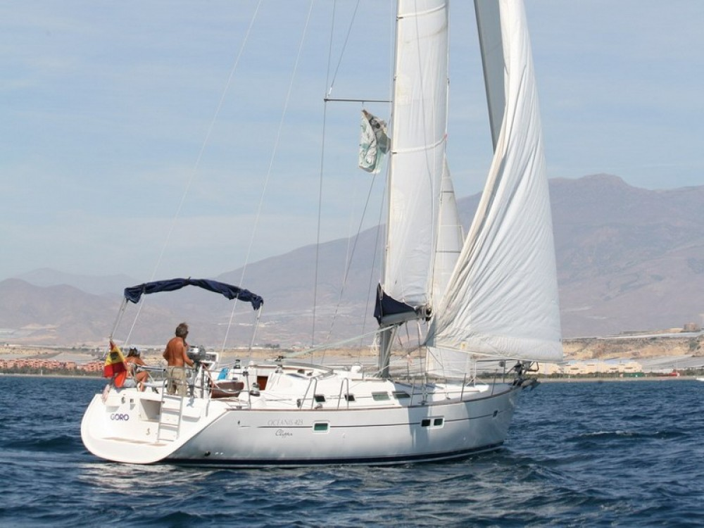 Bénéteau Oceanis Clipper 423 entre particulares y profesional Sukošan