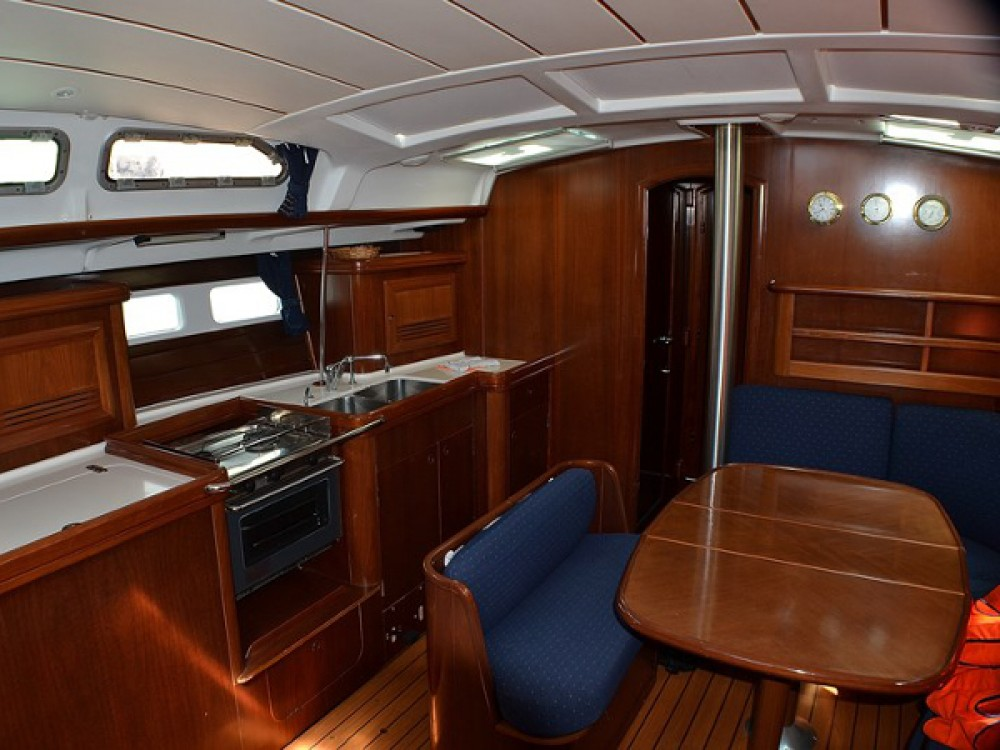 Alquiler de barcos Sukošan barato de Oceanis Clipper 423