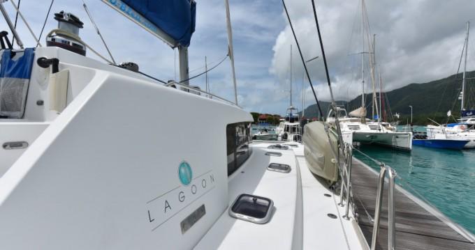 Alquiler Catamarán en Eden Island - Lagoon Lagoon 440