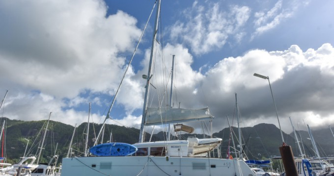 Catamarán para alquilar Eden Island al mejor precio