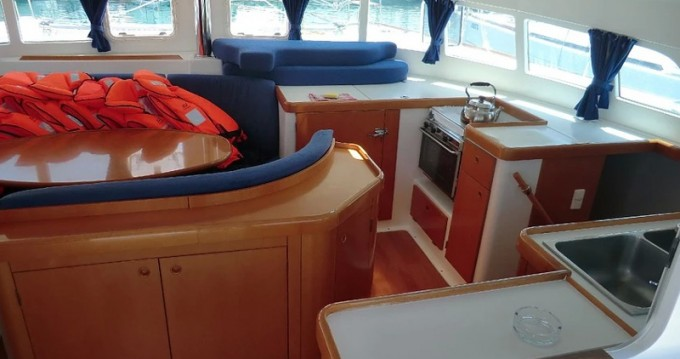 Alquiler Catamarán en Sukošan - Lagoon Lagoon 410