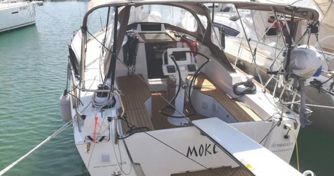 Jeanneau Sun Odyssey 319 entre particulares y profesional Follonica