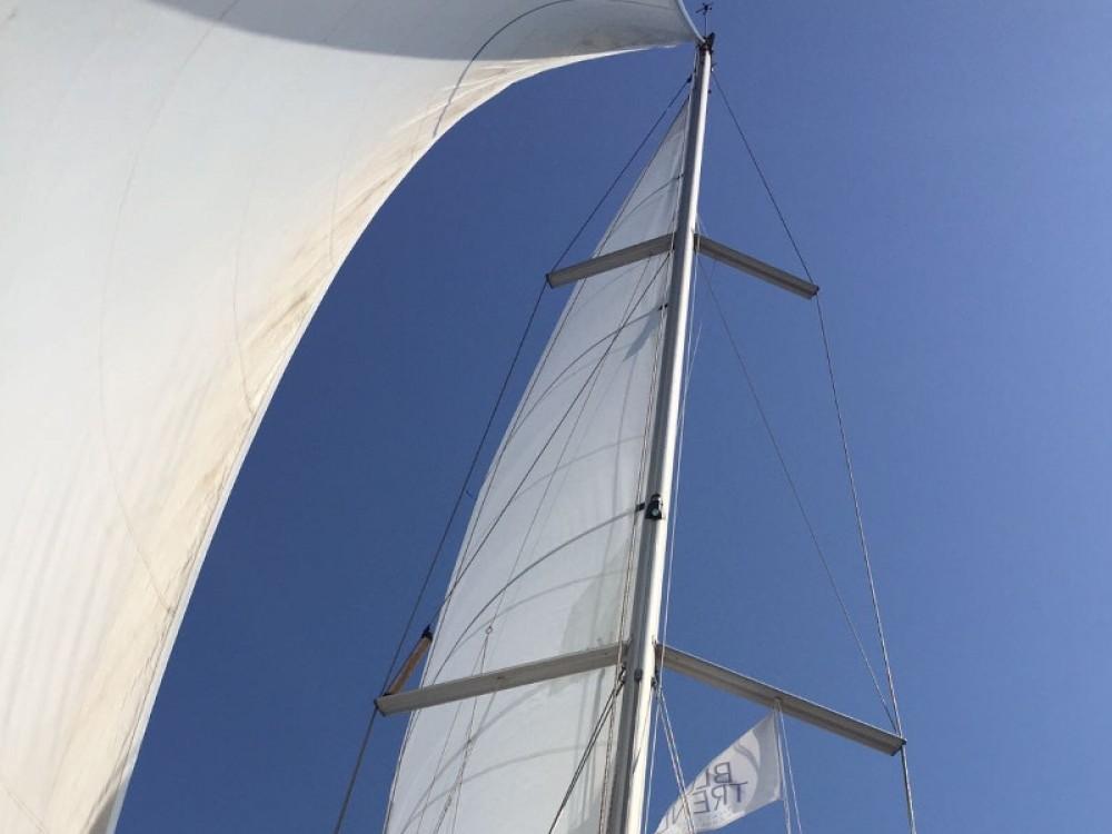 Alquiler de barcos Marina d'Arechi barato de Sun Odyssey 43