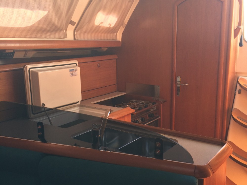 Jeanneau Sun Odyssey 37 entre particulares y profesional Salerno