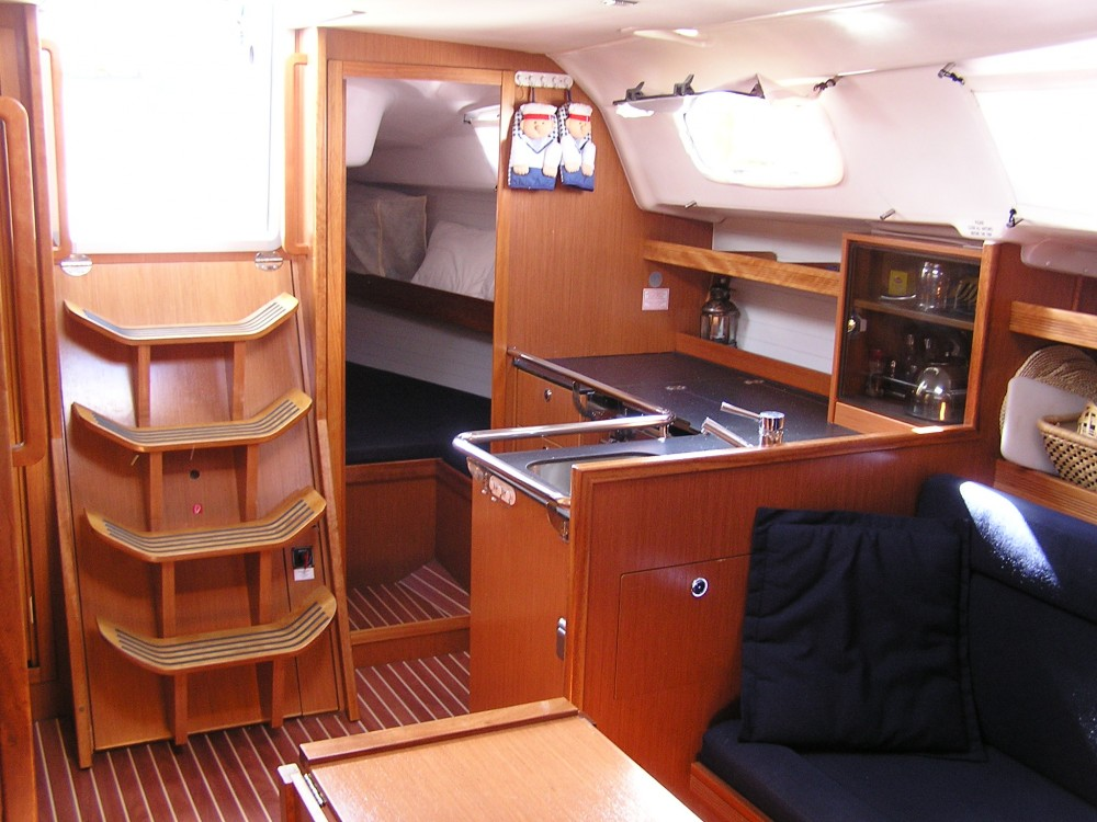 Bavaria Bavaria 35 Cruiser entre particulares y profesional  Léucade