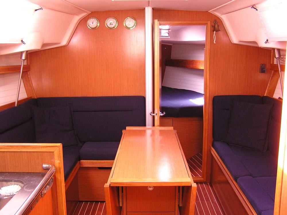 Alquiler Velero en  Léucade - Bavaria Bavaria 35 Cruiser