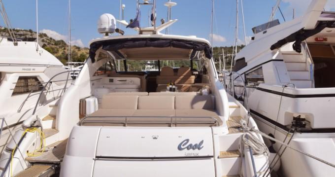 Alquiler Yate Princess con título de navegación