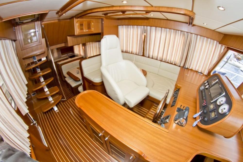 Alquiler Lancha Adagio con título de navegación