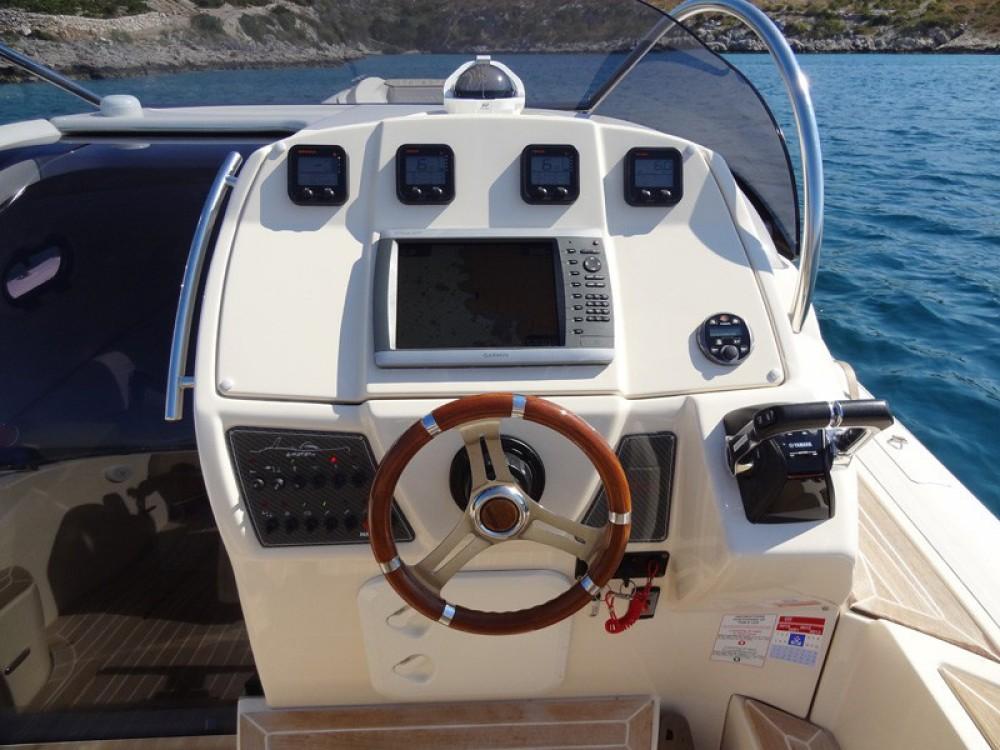 Alquiler de barcos Primošten barato de MAR-CO e-motion 32