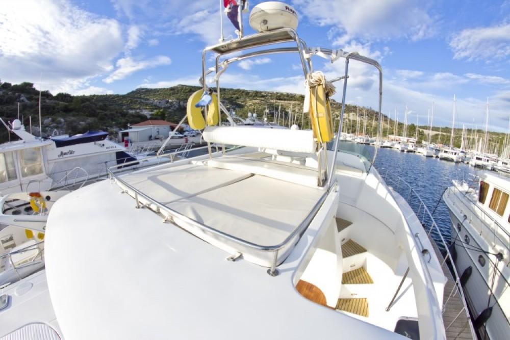 Alquiler de barcos Lagoon Lagoon Powercat 43 enPrimošten en Samboat