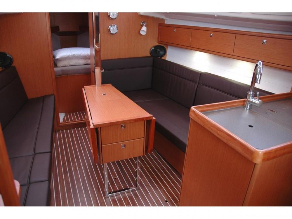 Alquiler Velero en Marina di Portisco - Bavaria Bavaria Cruiser 33