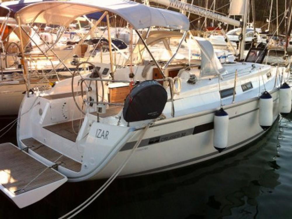 Alquiler de yate Marina di Portisco - Bavaria Bavaria Cruiser 32  en SamBoat