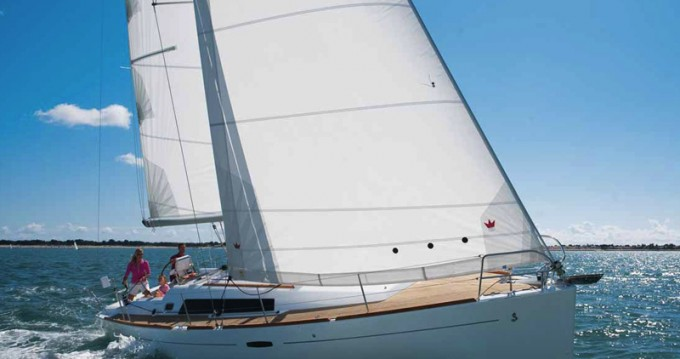 Alquiler de barcos Olbia barato de Oceanis 37