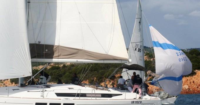 Alquiler de barcos Marina di Portisco barato de Sun Odyssey 509