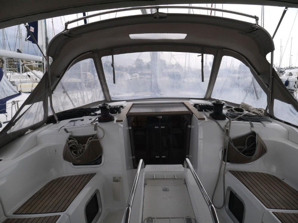 Alquiler de Jeanneau Sun Odyssey 469 en Marina de Alimos