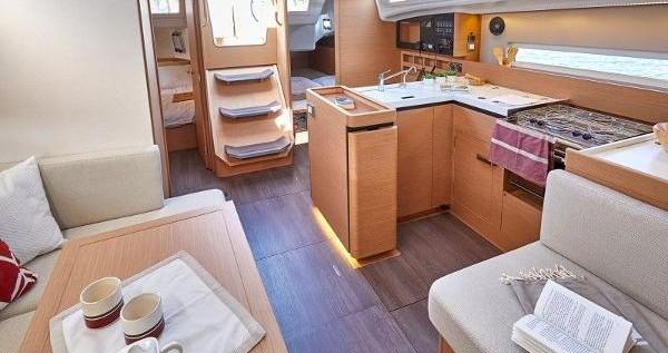 Alquiler de barcos Lefkas Marina barato de Sun Odyssey 410