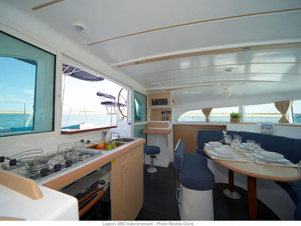 Alquiler de Catamarán, con o sin patrón Lagoon Le Marin