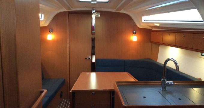 Alquiler Velero en Akhíllio - Bavaria Cruiser 37