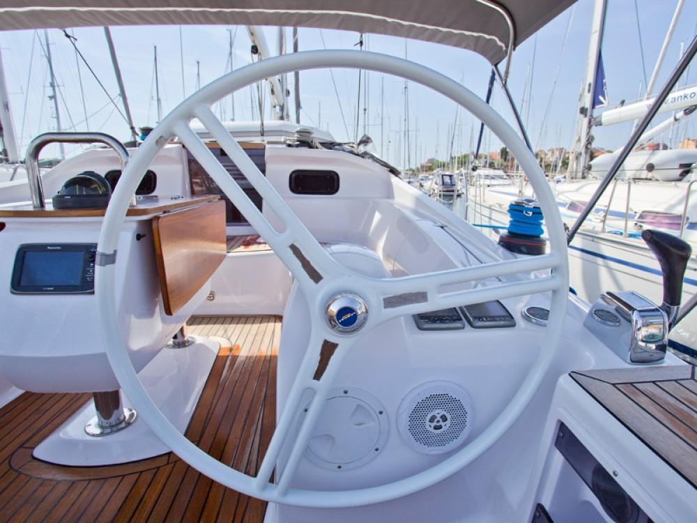 Alquiler de barcos Šibenik barato de Elan 444 Impression