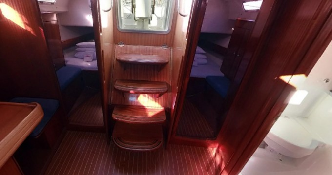 Alquiler de barcos Betina barato de Bavaria 44
