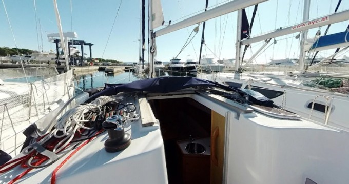 Jeanneau Sun Odyssey 30i entre particulares y profesional Betina