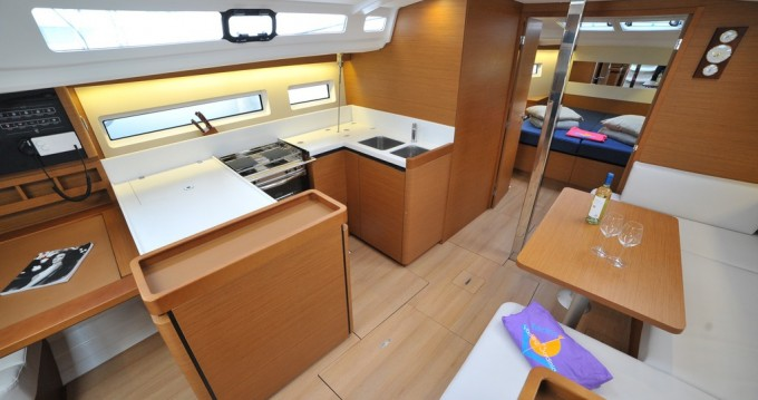 Alquiler de yate Marina di Portisco - Jeanneau Sun Odyssey 440 en SamBoat