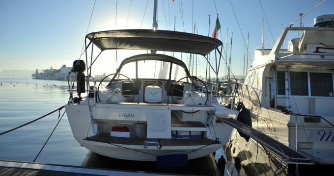 Alquiler de barcos Marina di Portisco barato de Dufour 412 Efram