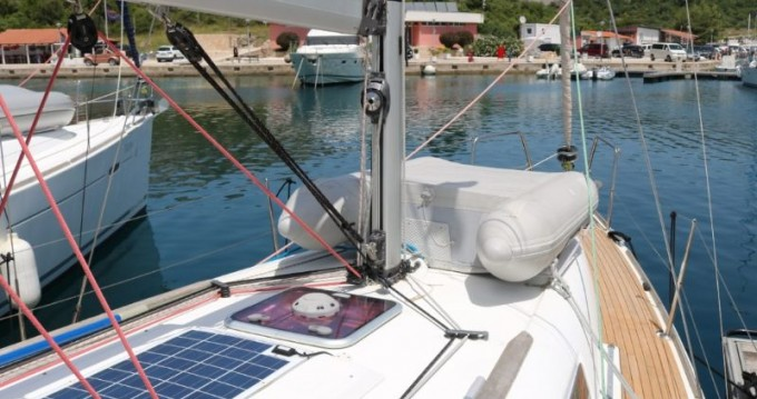 Jeanneau Sun Odyssey 33i entre particulares y profesional Trogir