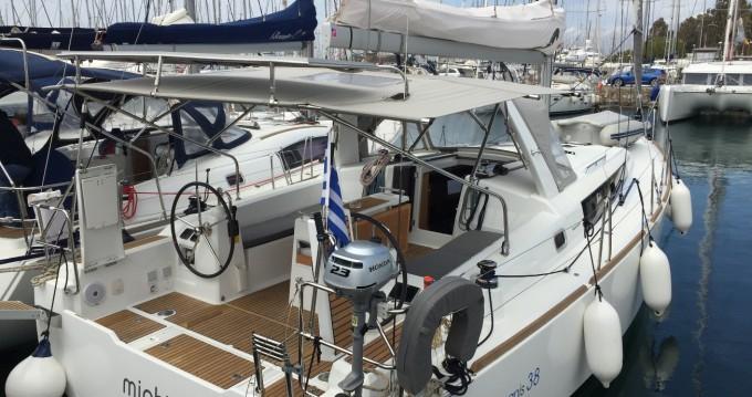 Alquiler de barcos Atenas barato de Oceanis 38