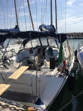 Alquiler de barcos Salivoli barato de Dufour 425