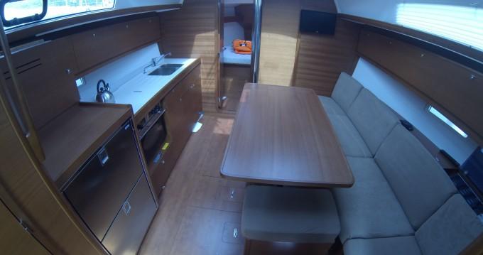 Alquiler de barcos Ragusa barato de Dufour 382 Grand Large