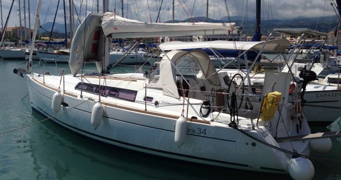 Bénéteau Oceanis 34 entre particulares y profesional Port of Lefkada
