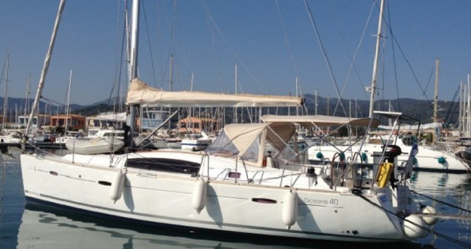 Alquiler de barcos Lefkas Marina barato de Oceanis 40