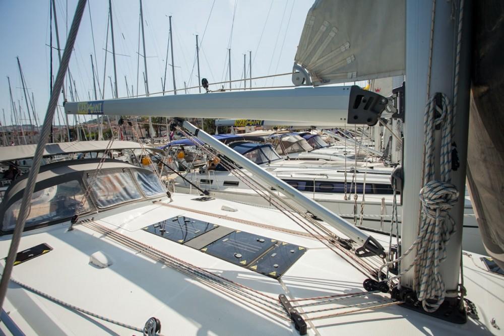 Alquiler de Bavaria Bavaria Cruiser 51 en Trogir