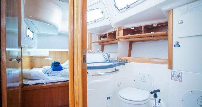 Alquiler de Bavaria Bavaria 50 Cruiser en Trogir