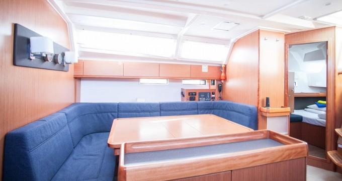 Bavaria Cruiser 46 entre particulares y profesional Trogir