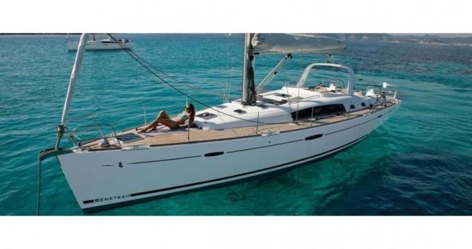 Alquiler de barcos Gouviá barato de Oceanis 50 Family
