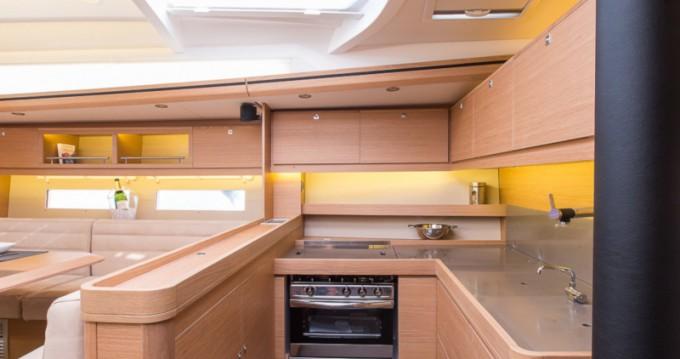 Alquiler de barcos Gouviá barato de Dufour 56 Exclusive