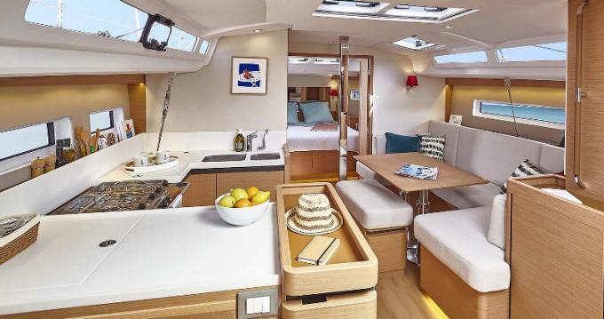 Alquiler de barcos Jeanneau Sun Odyssey 440 enVolos en Samboat