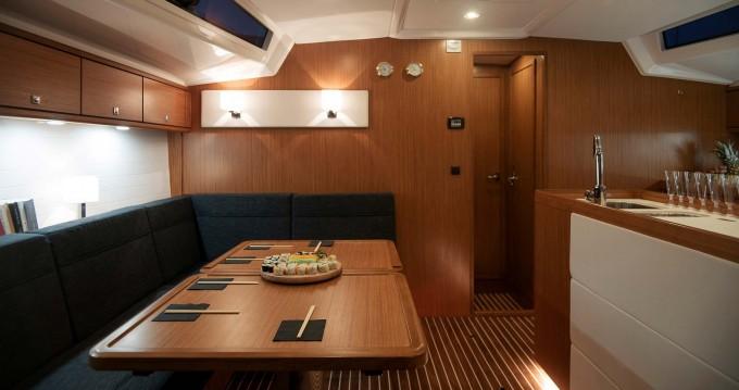 Alquiler de Bavaria Cruiser 56 en Gouviá