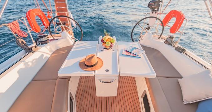 Alquiler de barcos Atenas barato de Sun Odyssey 410