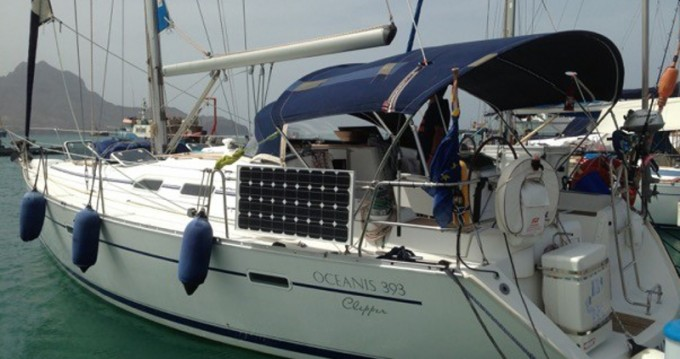 Alquiler de barcos Mindelo barato de Oceanis 393