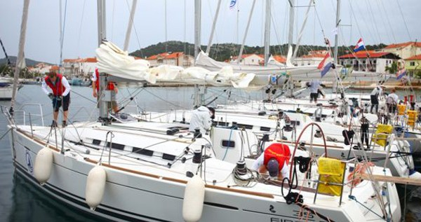 Alquiler de barcos Murter barato de First 35