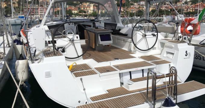 Alquiler de barcos La Spezia barato de Oceanis 45