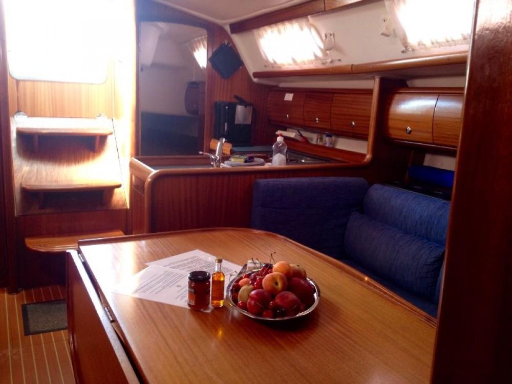 Alquiler de barcos Marina Gouvia barato de Bavaria 36