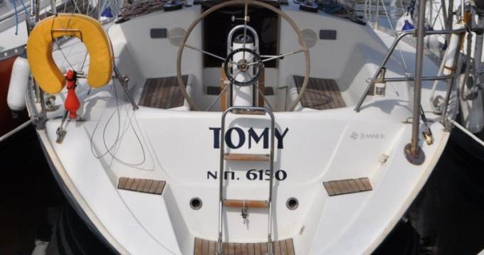 Alquiler de barcos Álimos barato de Sun Odyssey 33