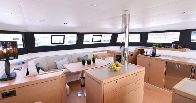 Dufour Dufour 48 Catamaran entre particulares y profesional Lefkas Marina