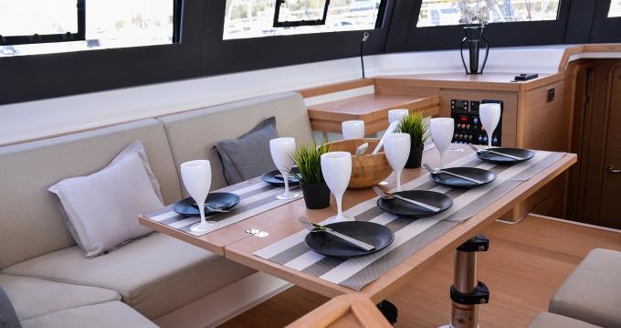 Catamarán para alquilar Miconos (Isla) al mejor precio