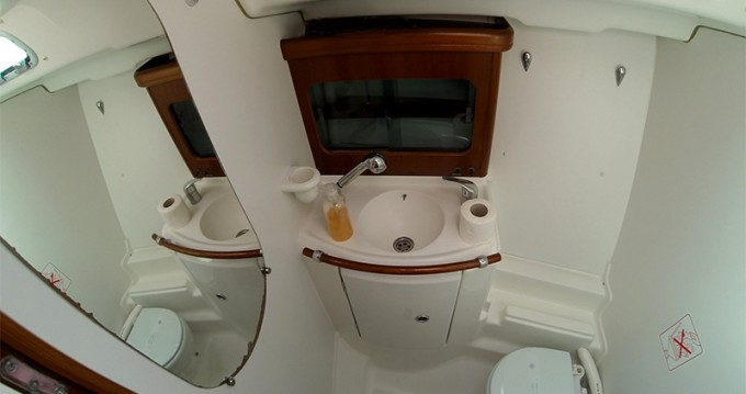 Alquiler de barcos Bénéteau Oceanis 411 Clipper enŠibenik en Samboat