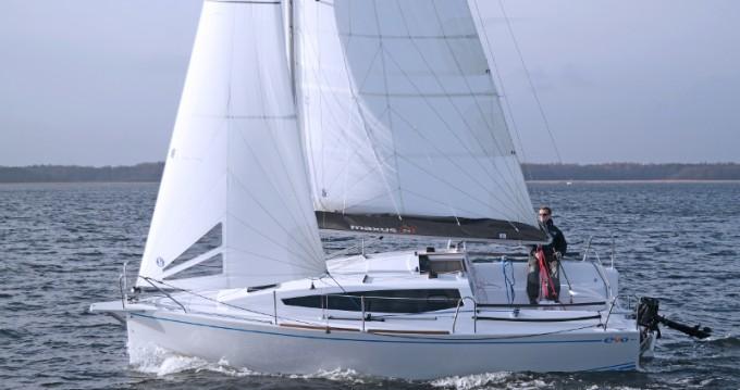 Alquiler de barcos Northman Maxus 26 Prestige + 8/1 enWęgorzewo en Samboat